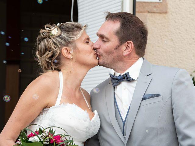 Le mariage de Gilles et Edwige à Pont-de-Salars, Aveyron 12