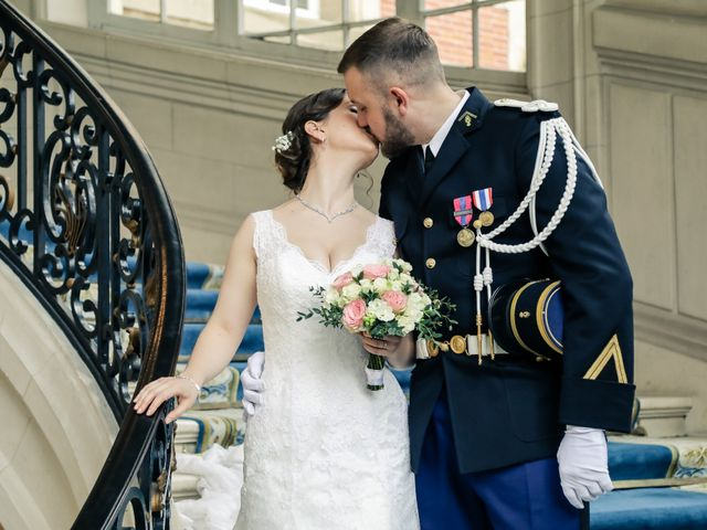 Le mariage de Alexandre et Elsa à Versailles, Yvelines 86