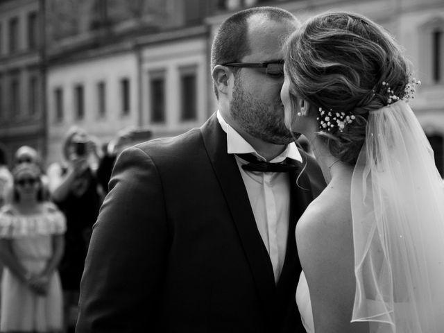 Le mariage de Damien et Elodie à L'Isle-Jourdain, Gers 34