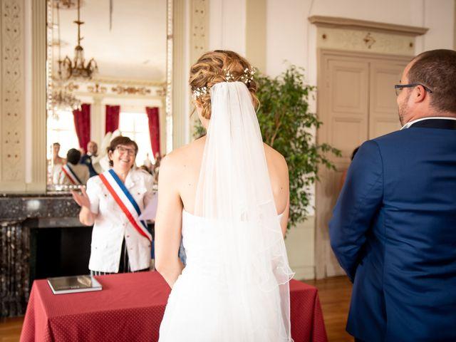 Le mariage de Damien et Elodie à L'Isle-Jourdain, Gers 43