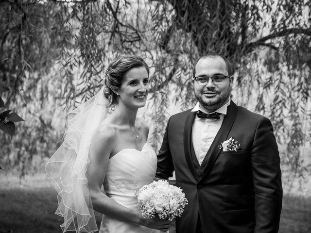 Le mariage de Damien et Elodie à L'Isle-Jourdain, Gers 62