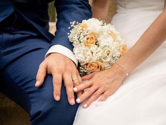 Le mariage de Damien et Elodie à L'Isle-Jourdain, Gers 77