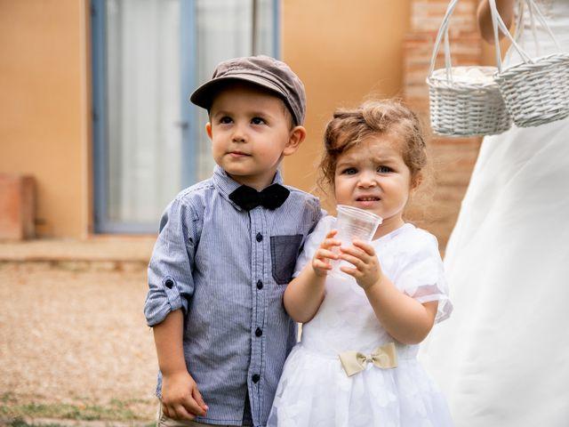 Le mariage de Damien et Elodie à L'Isle-Jourdain, Gers 100