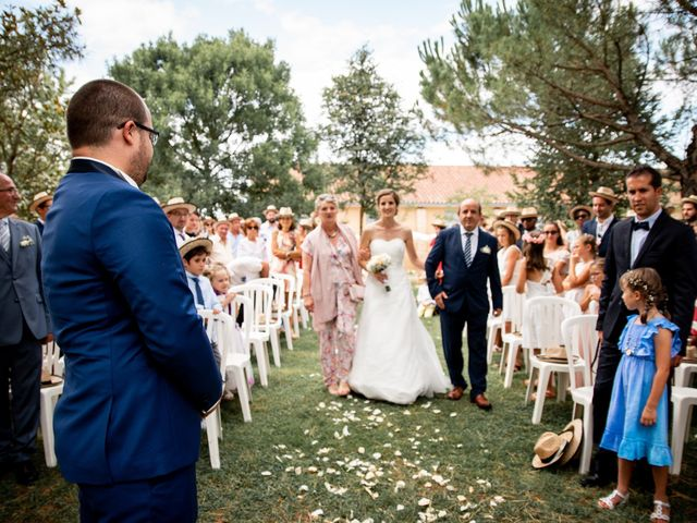 Le mariage de Damien et Elodie à L'Isle-Jourdain, Gers 107