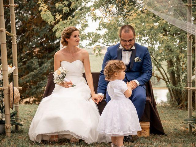 Le mariage de Damien et Elodie à L'Isle-Jourdain, Gers 113