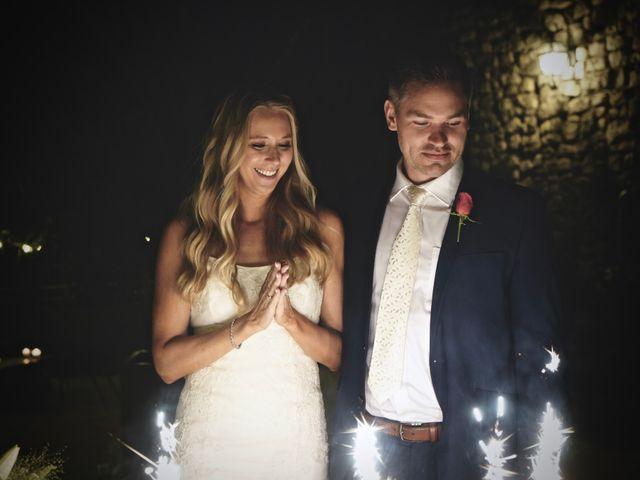 Le mariage de Mat et Lauren à Saint-Christol-de-Rodières, Gard 69