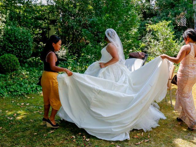 Le mariage de Nour et Zilfuye à Divonne-les-Bains, Ain 3