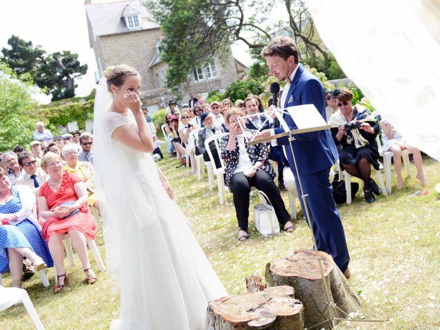 Le mariage de Romain et Alexandra à Perros-Guirec, Côtes d'Armor 15