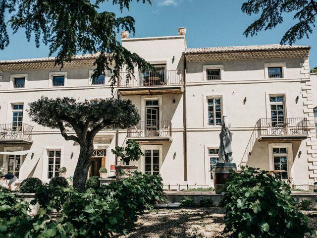 Le mariage de Antoine et Carine à Villeneuve-les-Avignon, Gard 2