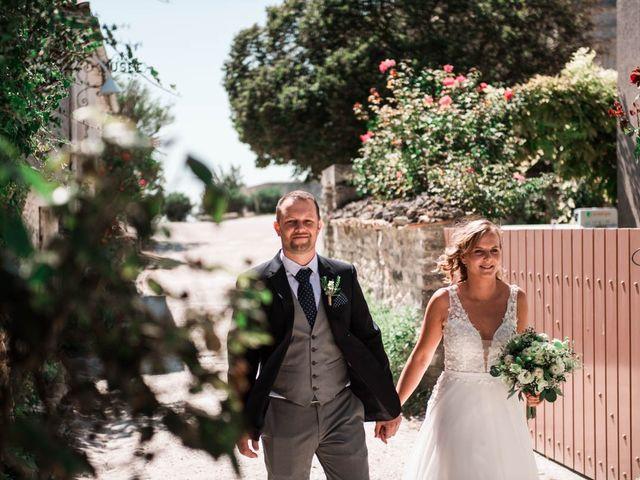 Le mariage de Julien et Marion à Breuillet, Charente Maritime 23