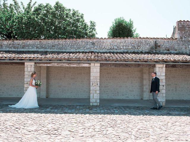 Le mariage de Julien et Marion à Breuillet, Charente Maritime 25