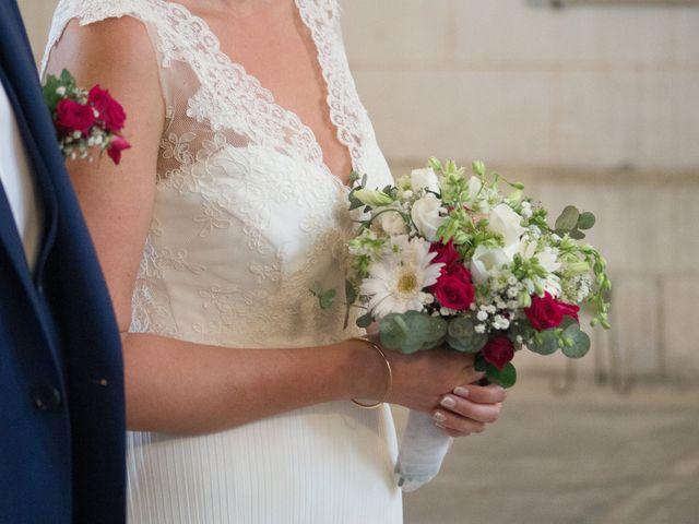 Le mariage de Jonathan et Stéphanie à Saint-Léon-sur-l'Isle, Dordogne 10