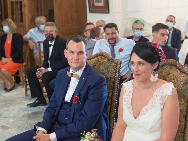 Le mariage de Jonathan et Stéphanie à Saint-Léon-sur-l'Isle, Dordogne 13