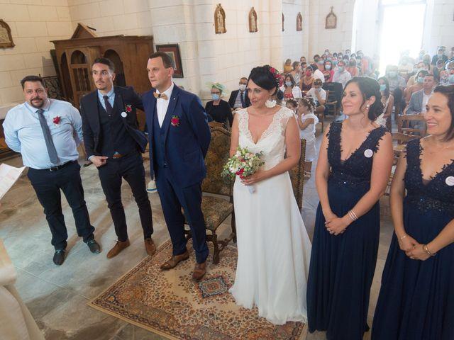 Le mariage de Jonathan et Stéphanie à Saint-Léon-sur-l'Isle, Dordogne 14