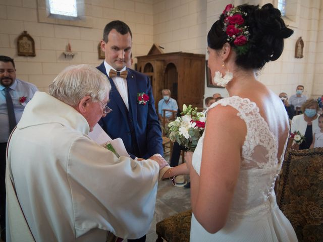 Le mariage de Jonathan et Stéphanie à Saint-Léon-sur-l'Isle, Dordogne 17