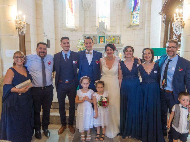 Le mariage de Jonathan et Stéphanie à Saint-Léon-sur-l'Isle, Dordogne 28