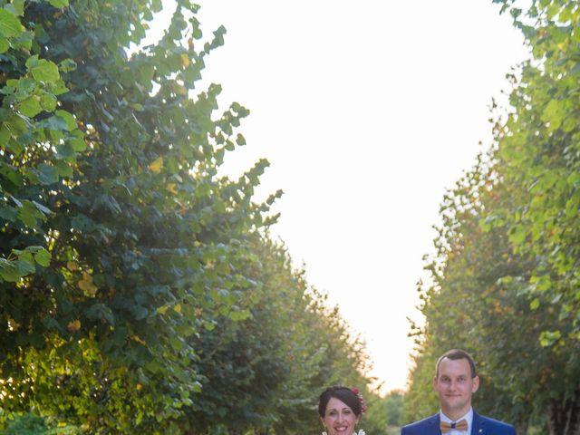 Le mariage de Jonathan et Stéphanie à Saint-Léon-sur-l'Isle, Dordogne 47