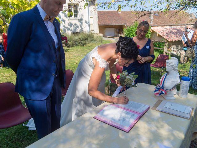 Le mariage de Jonathan et Stéphanie à Saint-Léon-sur-l'Isle, Dordogne 142