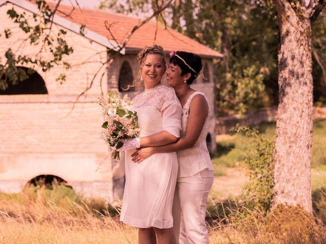 Le mariage de Magali et Nadège à Chaignay, Côte d'Or 21