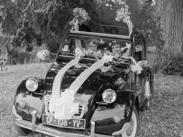 Le mariage de Magali et Nadège à Chaignay, Côte d'Or 36