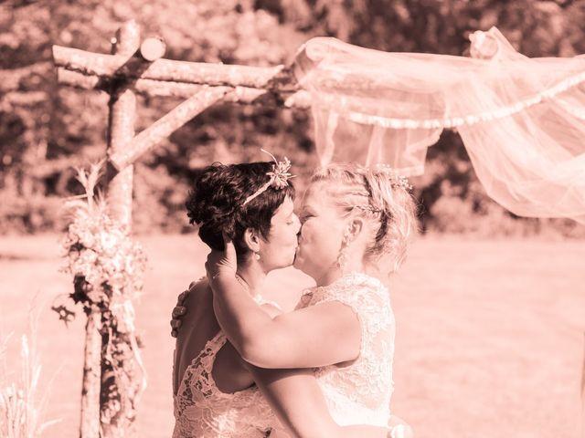 Le mariage de Magali et Nadège à Chaignay, Côte d'Or 56