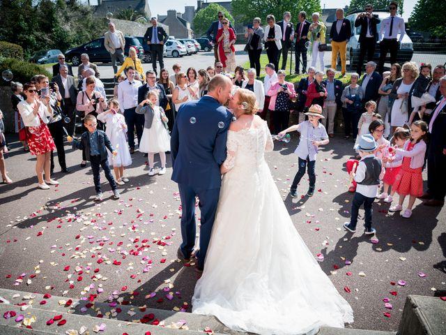 Le mariage de Laurent et Véronique à Guissény, Finistère 11