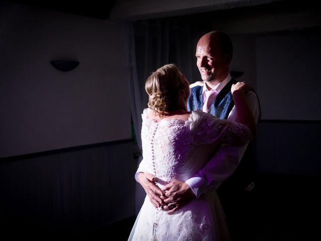 Le mariage de Laurent et Véronique à Guissény, Finistère 53