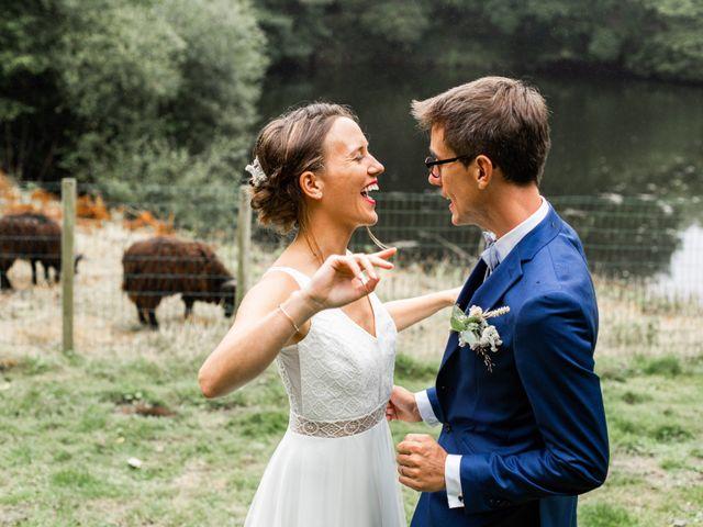 Le mariage de Juliette et Pierre à Rostrenen, Côtes d'Armor 35