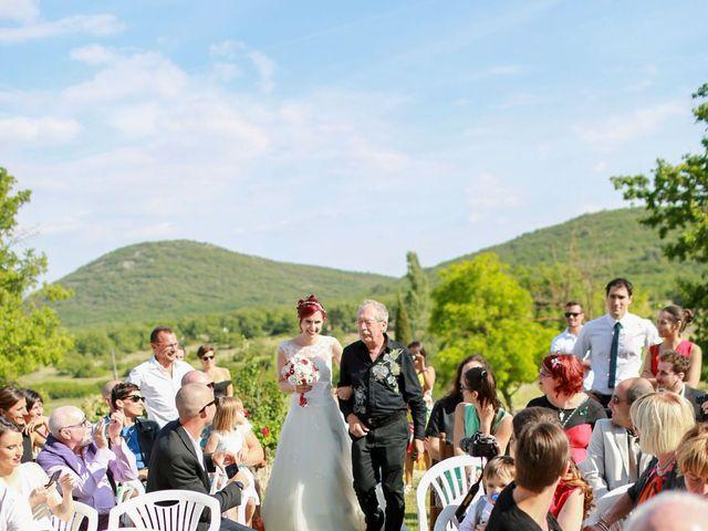 Le mariage de Gaétan et Chloé à Saint-Maximin-la-Sainte-Baume, Var 16