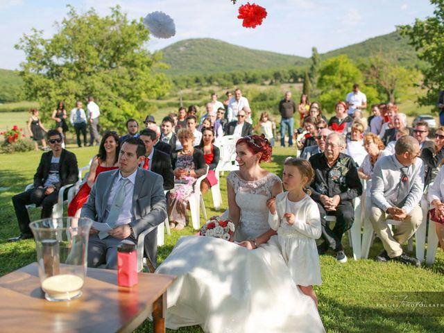 Le mariage de Gaétan et Chloé à Saint-Maximin-la-Sainte-Baume, Var 17