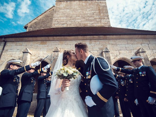 Le mariage de Julien et Deborah à Ornans, Doubs 35
