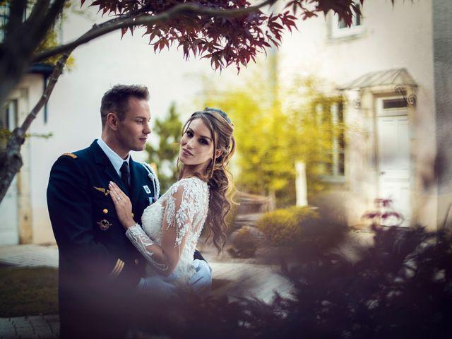 Le mariage de Julien et Deborah à Ornans, Doubs 39
