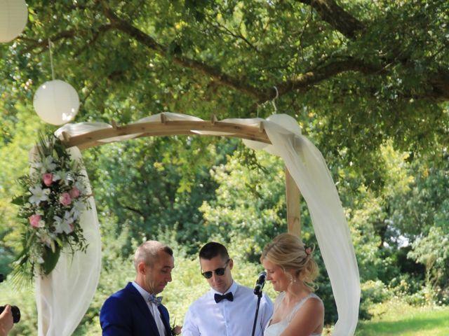 Le mariage de Damien et Anaïs à Saint-Martin-Lars-en-Sainte-Hermine, Vendée 3