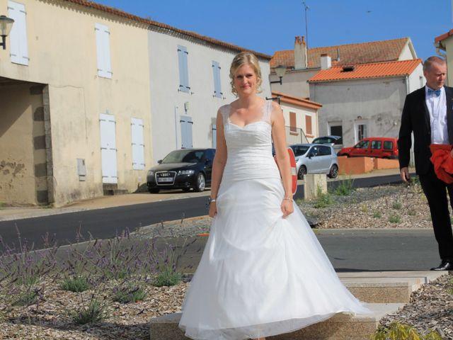 Le mariage de Damien et Anaïs à Saint-Martin-Lars-en-Sainte-Hermine, Vendée 1