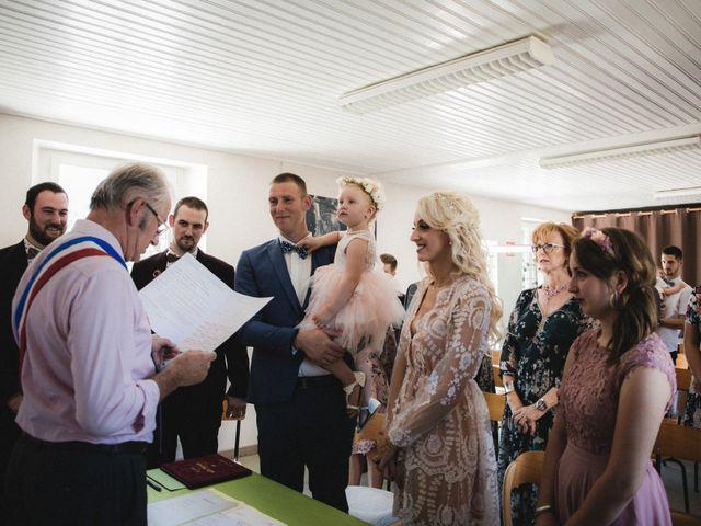Le mariage de Florent et Laetitia à Dambelin, Doubs 16