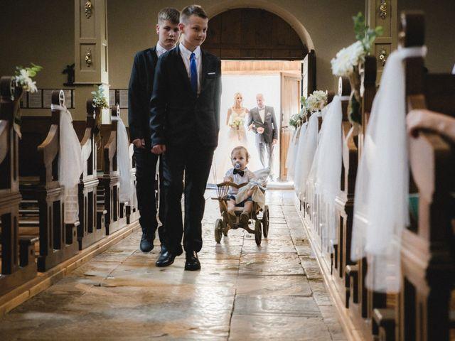 Le mariage de Florent et Laetitia à Dambelin, Doubs 24