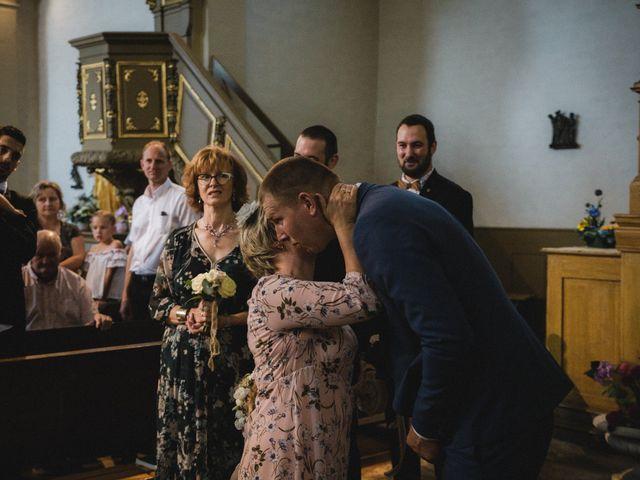 Le mariage de Florent et Laetitia à Dambelin, Doubs 26