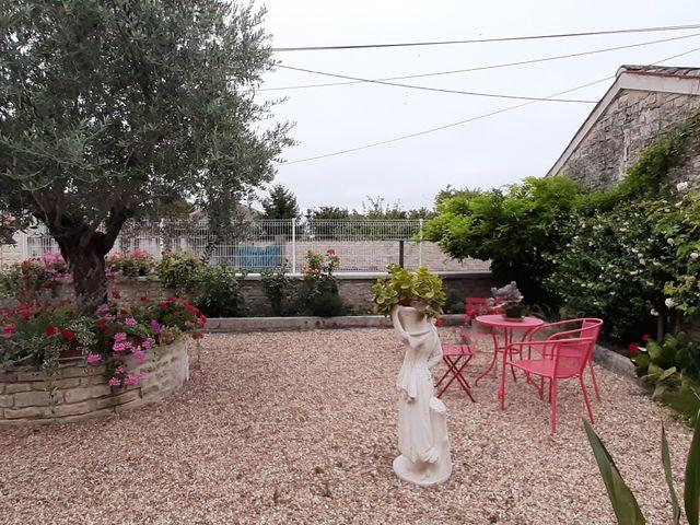 Le mariage de Richard et Nadia à Cherves Richemont, Charente 13