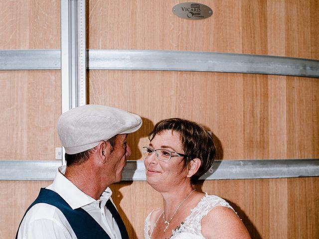 Le mariage de Richard et Nadia à Cherves Richemont, Charente 43