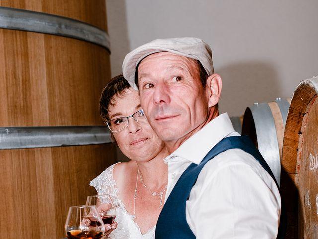 Le mariage de Richard et Nadia à Cherves Richemont, Charente 44