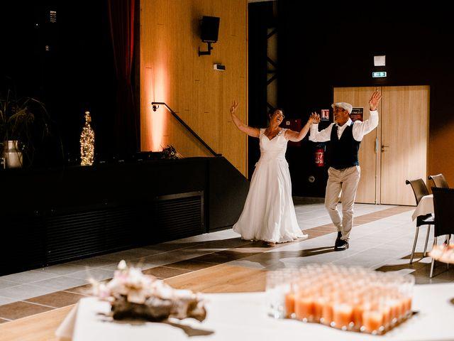 Le mariage de Richard et Nadia à Cherves Richemont, Charente 54