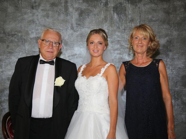 Le mariage de Charles et Camille à Uchaux, Vaucluse 24