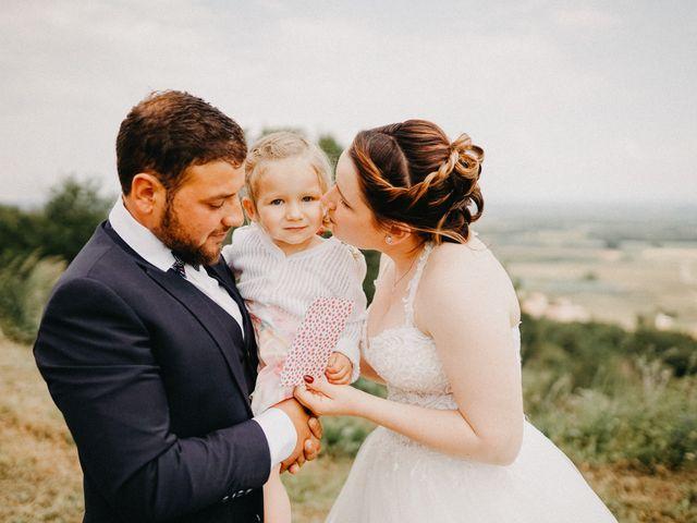 Le mariage de Gauryan et Charlène à Viré, Saône et Loire 11