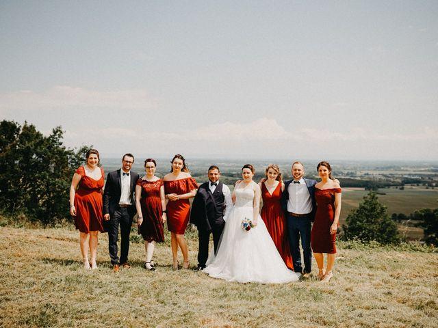Le mariage de Gauryan et Charlène à Viré, Saône et Loire 23