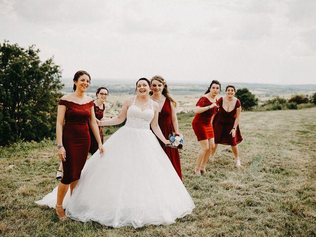 Le mariage de Gauryan et Charlène à Viré, Saône et Loire 28