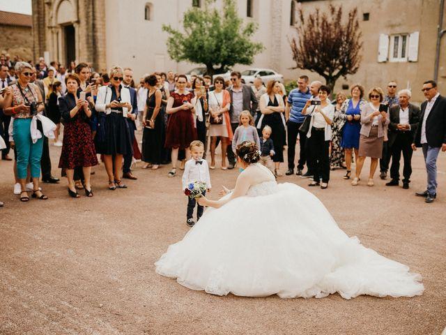 Le mariage de Gauryan et Charlène à Viré, Saône et Loire 41