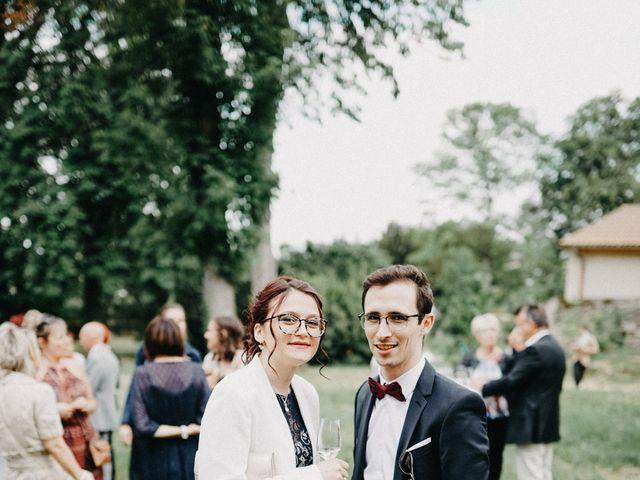 Le mariage de Gauryan et Charlène à Viré, Saône et Loire 70
