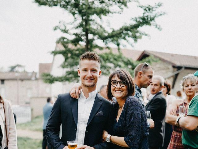 Le mariage de Gauryan et Charlène à Viré, Saône et Loire 76