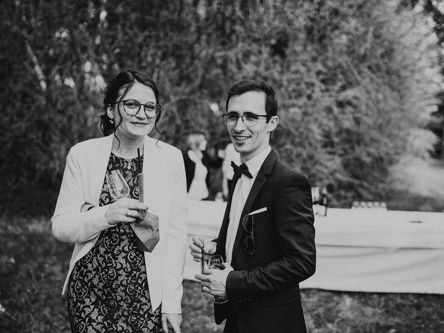 Le mariage de Gauryan et Charlène à Viré, Saône et Loire 80
