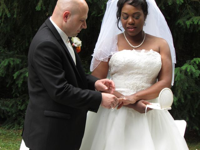 Le mariage de Angela et Gaëtan à Roye-sur-Matz, Oise 5